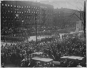 Famous New York soldiers return home. [The] 369th Infantry (old 15th National Guard of New York Cit...