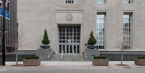 Exterior. Potter Stewart U.S. Post Office and Courthouse, Cincinnati, Ohio