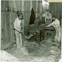 Black employees shredding scrap Original ID: 6.603-22996