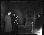 [Marian Anderson walking at Lincoln Memorial (series), #127 : cellulose acetate photonegative,] 1939