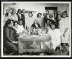 Unidentified group of people around the kitchen table, Texas, [s.d.]