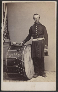 """[Unidentified soldier in Union uniform with """"Liberty Band"""" bass drum]"""