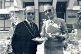 From the UMN Board Meeting in Kathmandu, Nepal, October 1991. Executive Director Edgar Metzler Fra UMNs Bestyrelsesmøde i Kathmandu, Nepal, oktober 1991. Adm. direktør Edgar Metzler, (th) og præsident i UMN Jørgen Nørgaard Pedersen (tv)