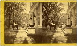 Sterepscopic photograph of a southern mansion and family, circa 1880s