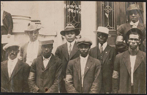 [Unidentified African American recruits for the 15th New York National Guard Regiment heading to Camp Upton, New York]